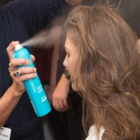 ZAC POSEN -עיצוב שיער עם סדרת מוצרי MOROCCANOIL צילום ג'ייסון קרטר רינהלדי