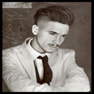 מעצב השיער Tony Wilson