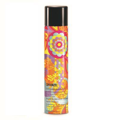 מותג הטיפוח לשיער amika משיק ספריי חדש לשיער Touchable Hairspray