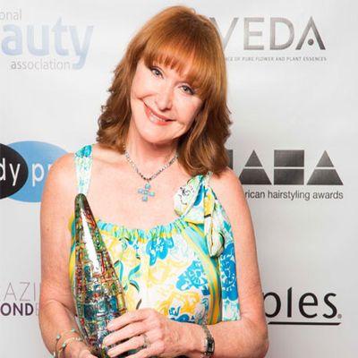 """ויואן מאקינדר זכתה בפרס ה""""מאסטר סטייליסט של השנה"""" לשנת 2015"""