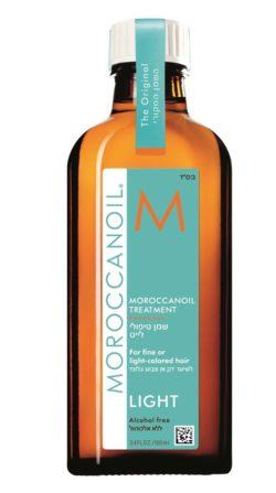 חברת הטיפוח המובילה לשיער MOROCCANOIL מציעה שמן טיפולי לייט לשיער דק דליל או צבוע בלונד צילום ריצארד פאיירס