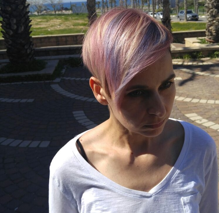 מעצב השיער ירון חדד מגבעת אולגה עם סדרת הצבעים IGORA ROYAL