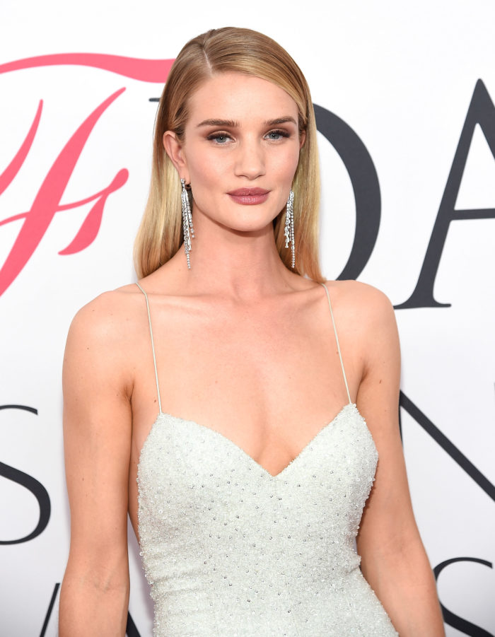 NEW YORK, NY - JUNE 06: Rosie Huntington-Whiteley attends the 2016 CFDA Fashion Awards at the Hammerstein Ballroom on June 6, 2016 in New York City. (Photo by Kevin Mazur/WireImage)