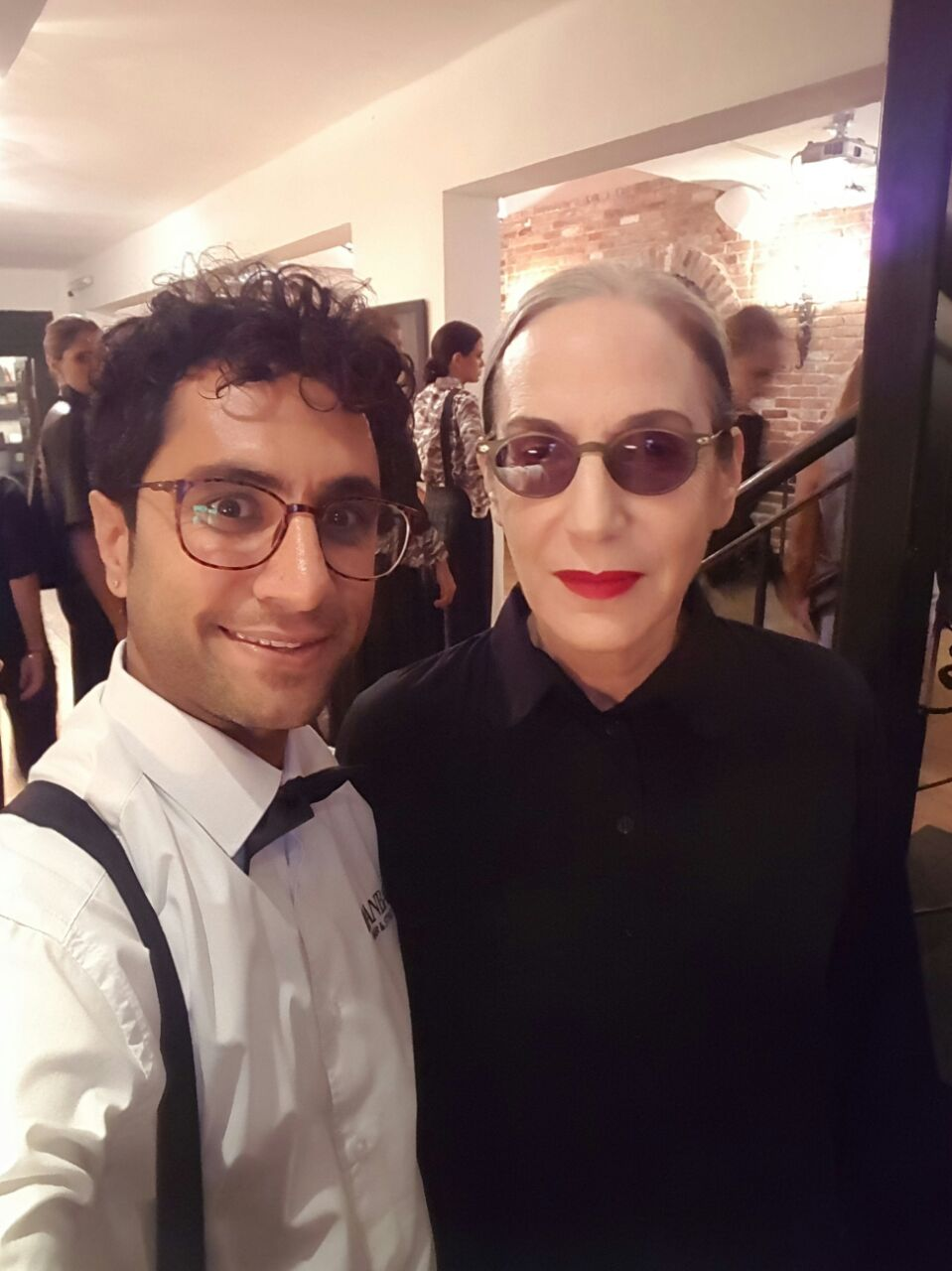מעצב השעיר עידן בר עושה כבוד לנשות אופנה יהודיות