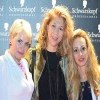 ניקה זהבי והצוות של חברת רבקה זהבי Hair Fashion צילום הדליין