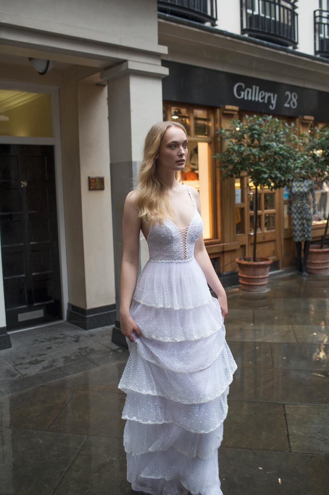 Mayfair Collection מעצבת שמלות הכלה ריקי דלאל