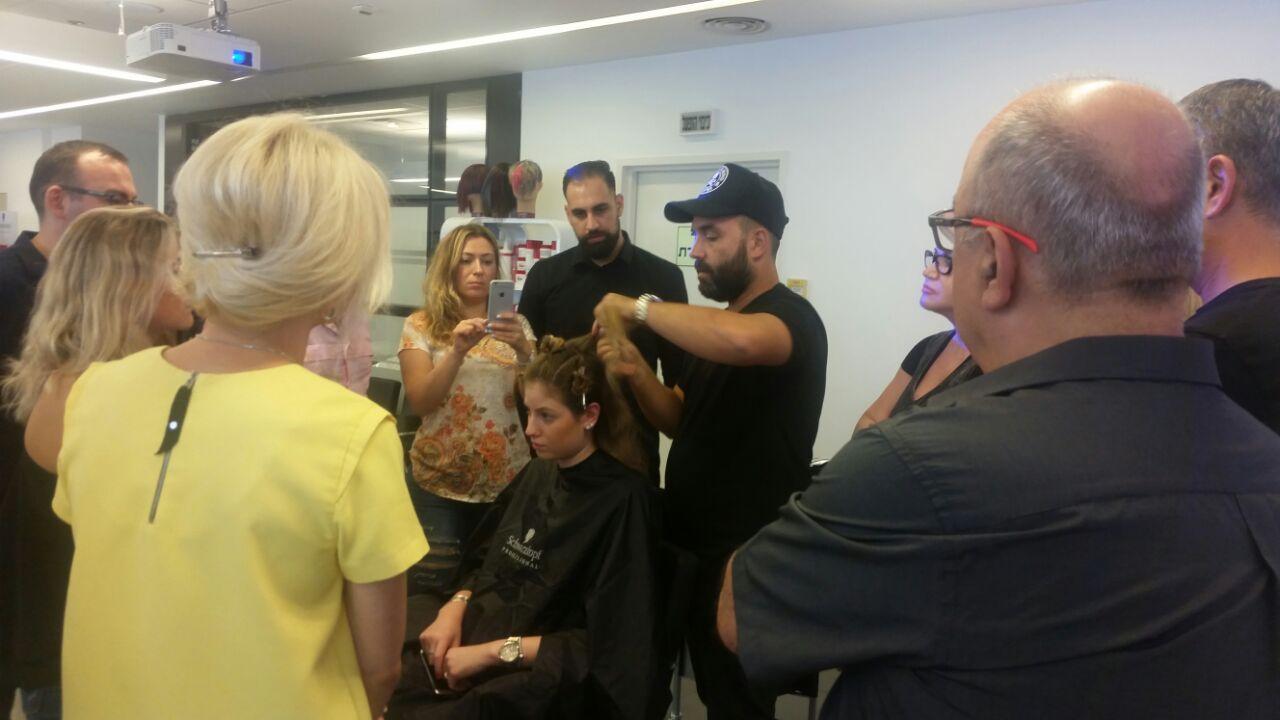 אקדמיית שוורצקופף פרופשיונל מציגה: סמינר בליאז' עם מדריך מומחה אורח, מעצב השיער רונן שרביט
