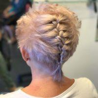 סיוון מדמוני, מעצבת השיער החיפאית והמדריכה בחברת שוורצקופף פרופשיונל