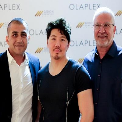 גדעון כהן גיא טאנג וששרון שעבן באירעו אולפלקס צילום יחצ