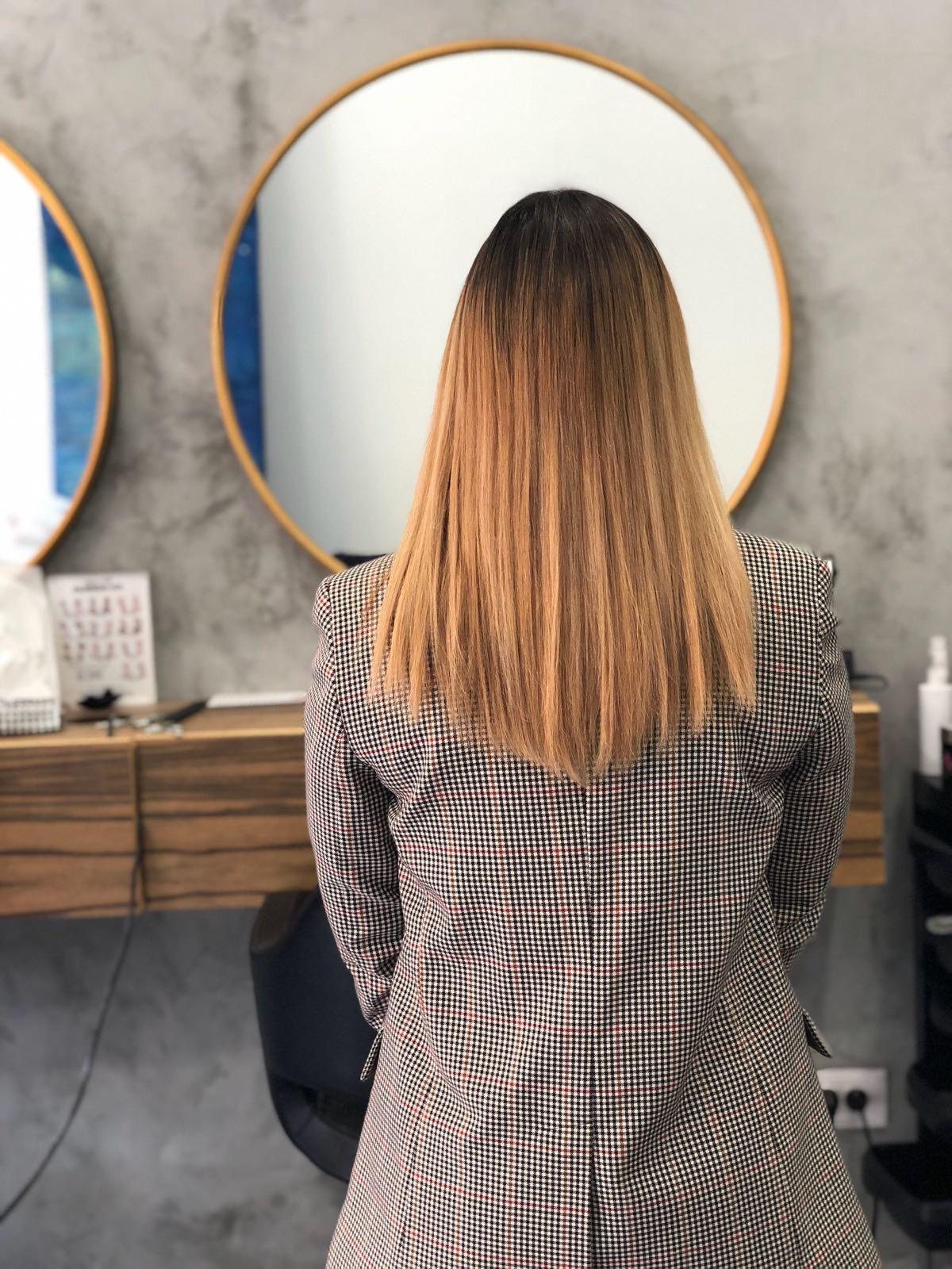 החלקת שיער אצל יוני סלסי בתל אביב