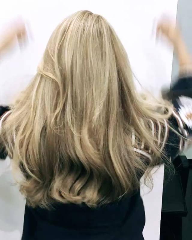 אסף סיבוני ויחיאל שושן מספרת AY ברמת השרון - מומחים להחלקת שיער