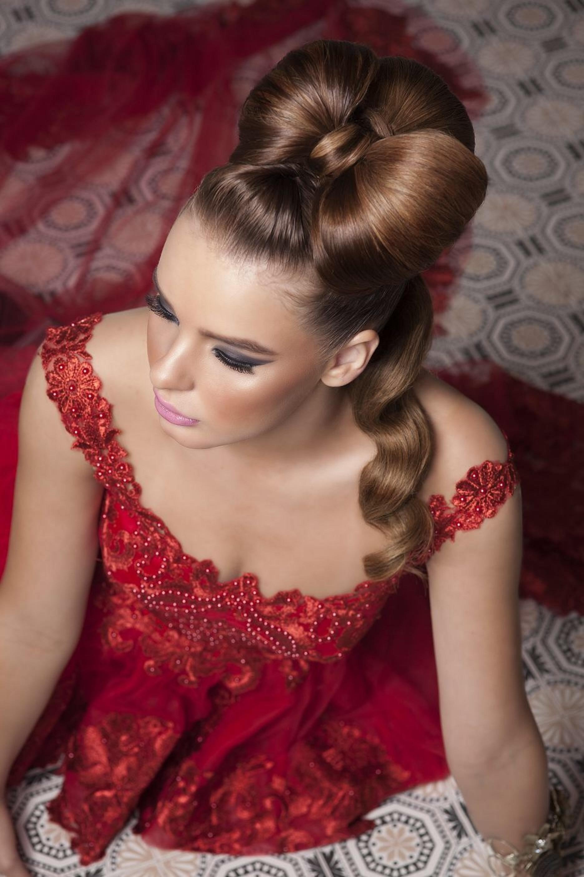 מעצבת השיער דנית אנקר בחברת Mon Platin Professional מציגה מראה וולנטיין