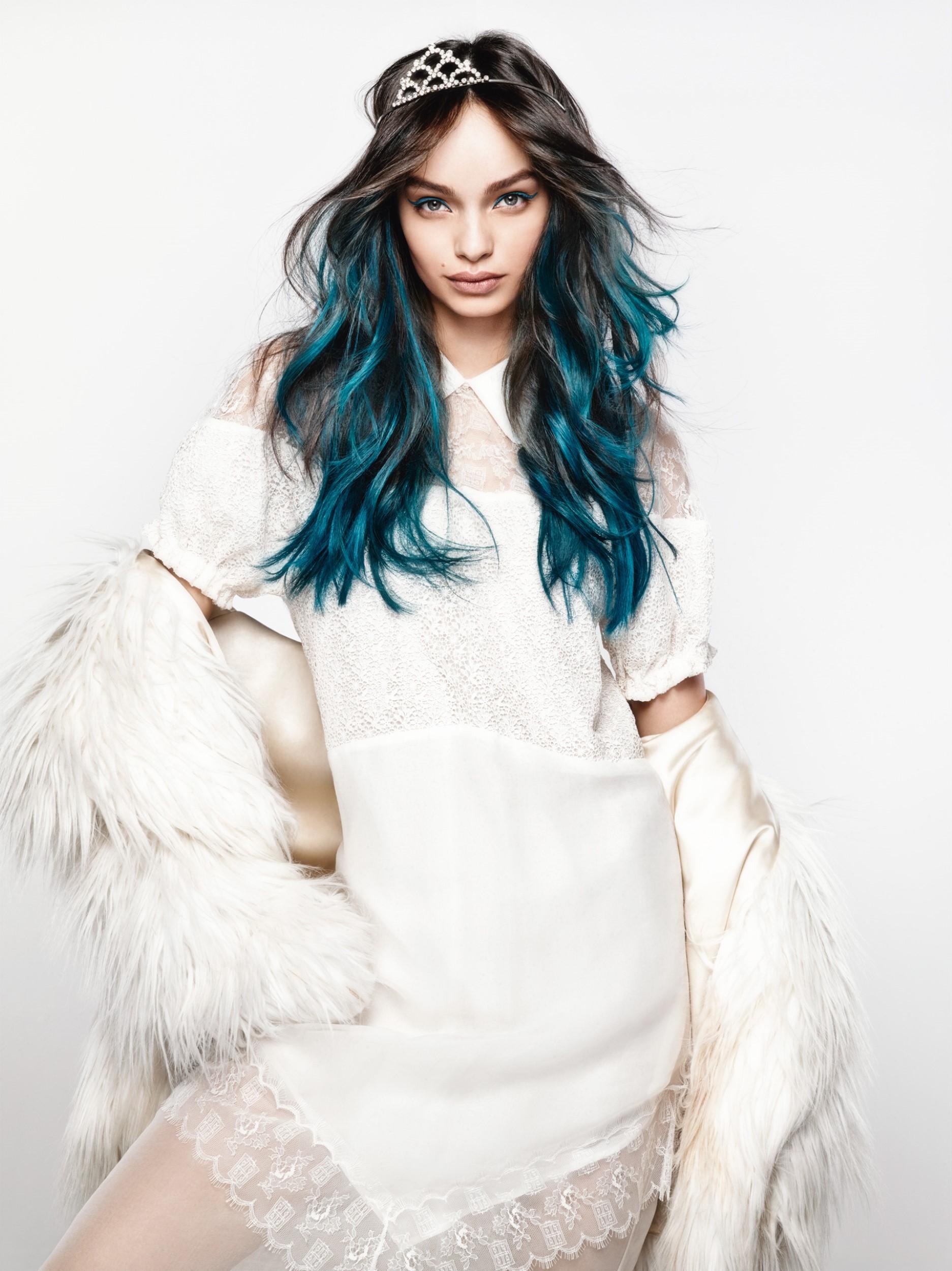 ספריי לשיער בצבעים נועזים קולוריסטה לוריאל פריז מחיר 34.90 שח צילום יחצ חול
