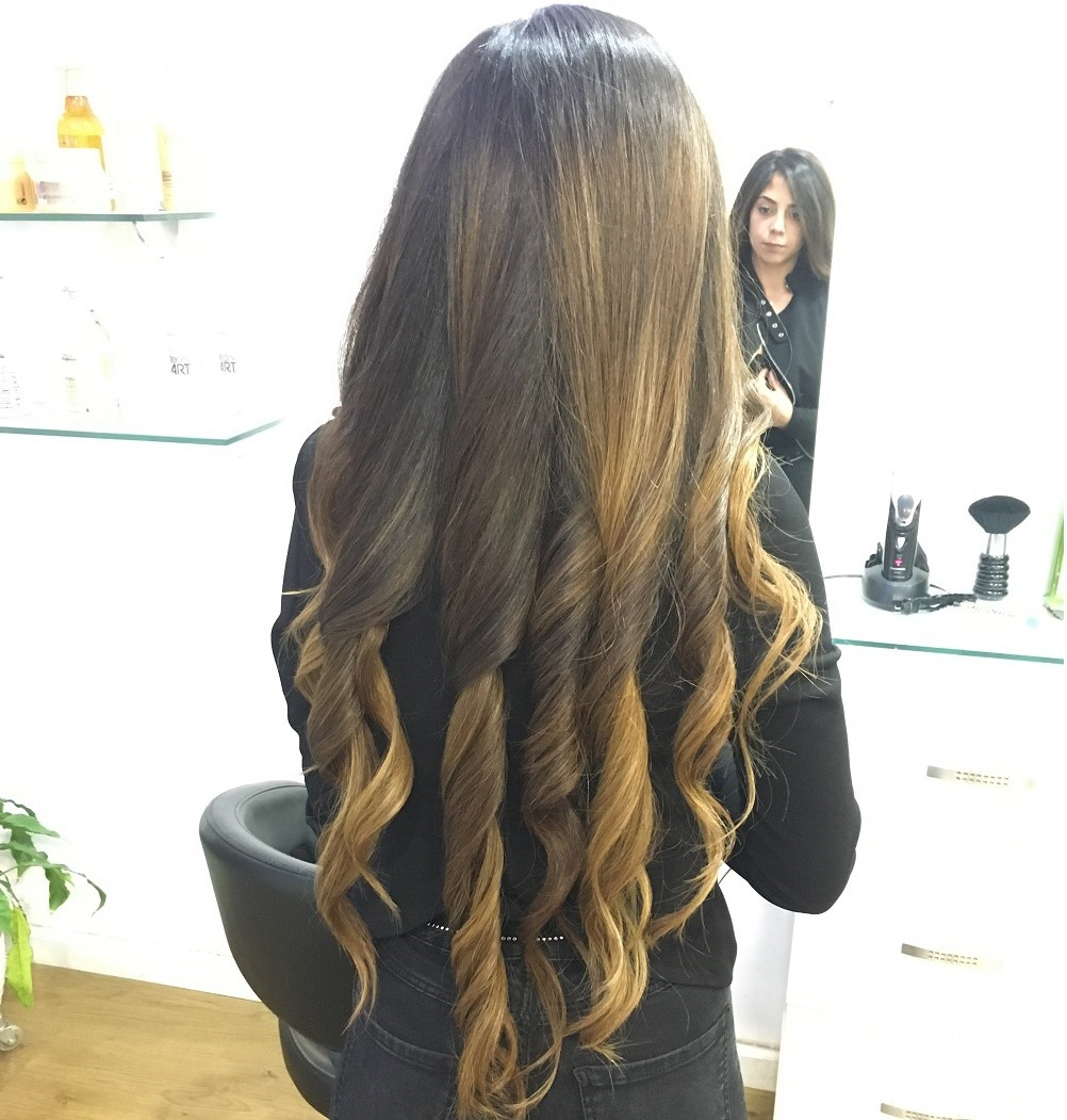 עיצוב שיער מתולתל ברמת השרון