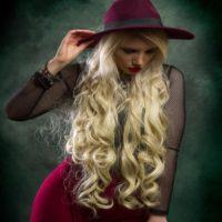 רפאל אוסמו מציג עבודות של תוספות שיער