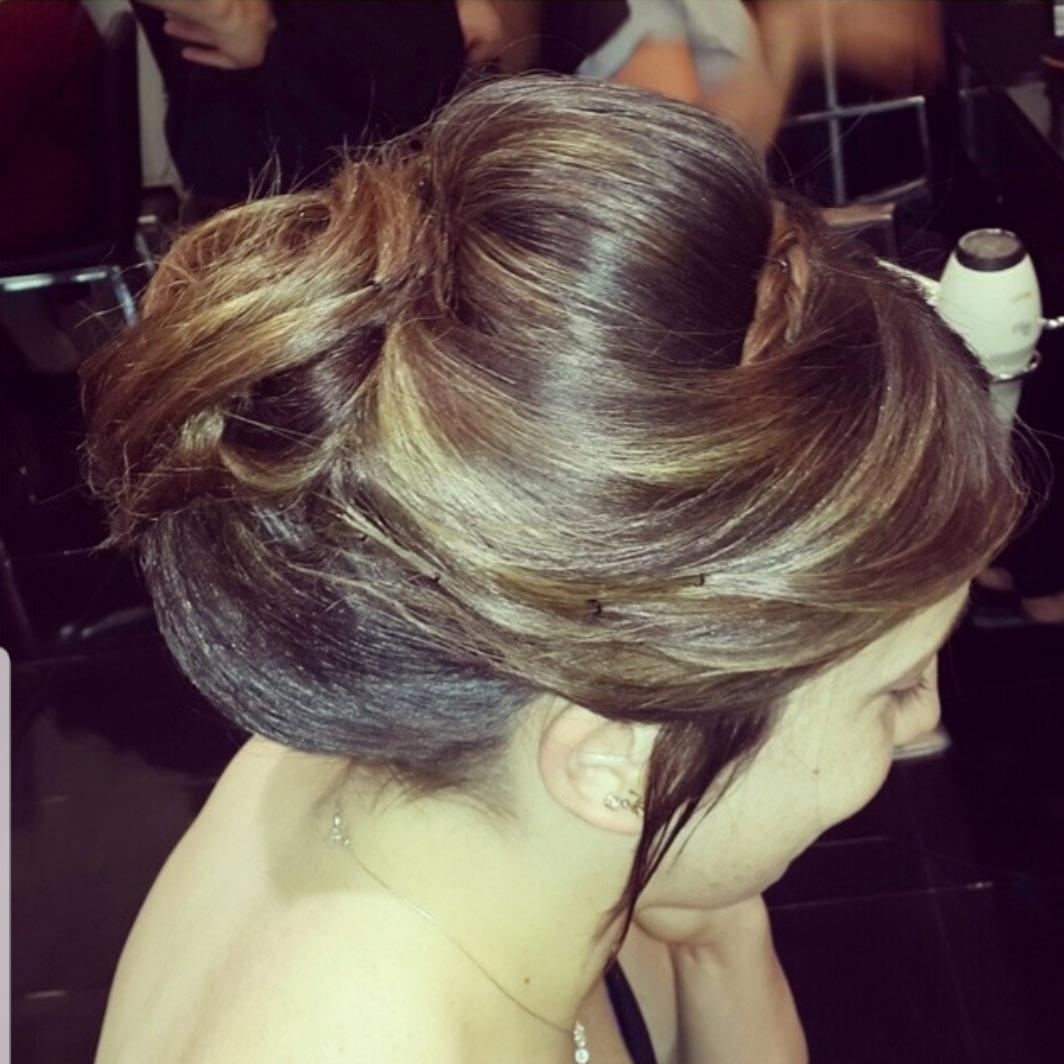 תסרוכת כלה מקצועית לורן עיצוב שיער בקרית גת