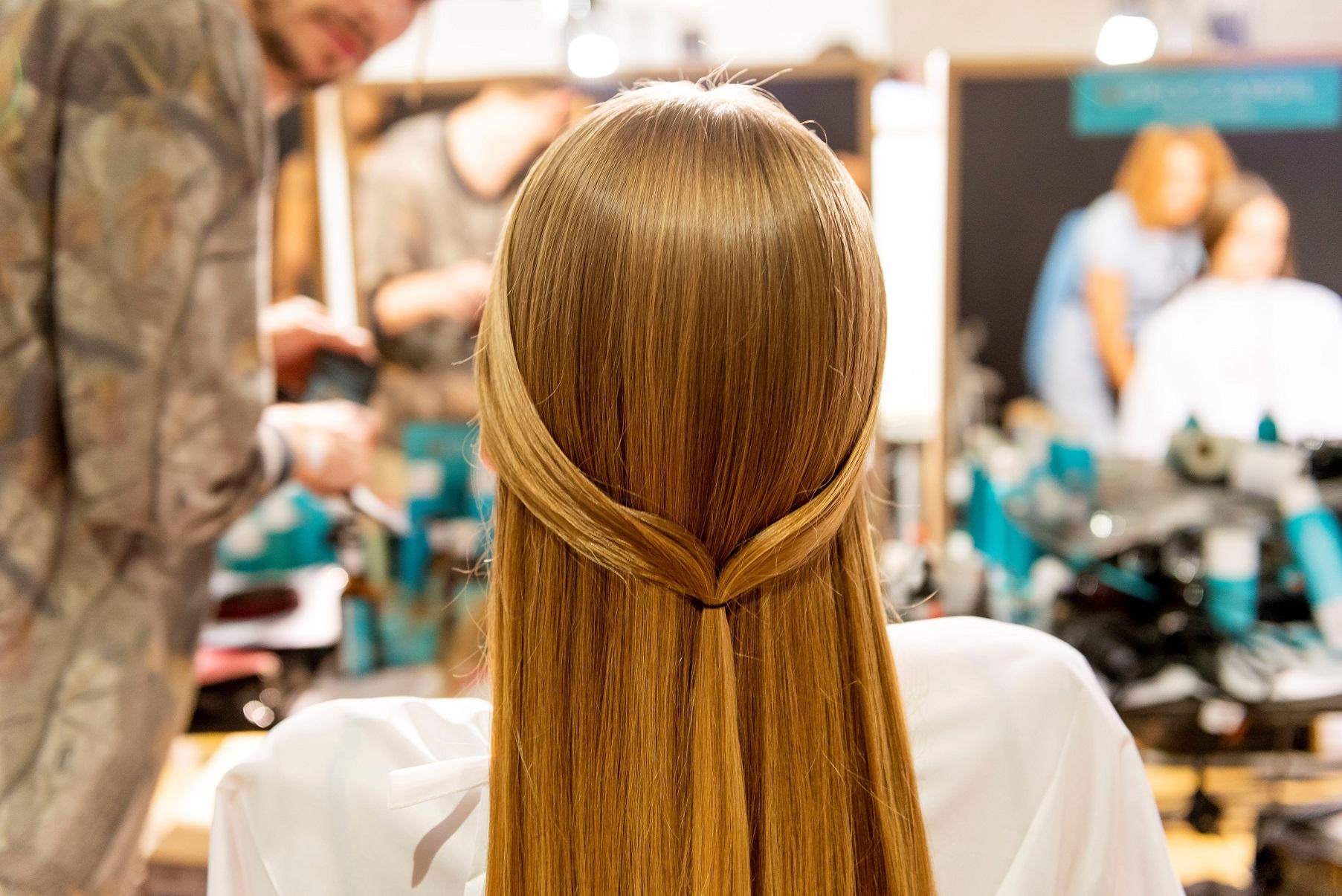 שבוע האופנה במילאנו - תצוגה של MISSONI - מראות שיער לקיץ 2019 באדיבות MOROCCANOIL
