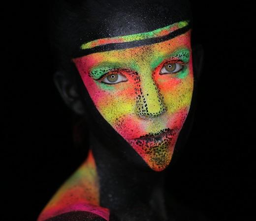 Alina Tovberg makeup artist